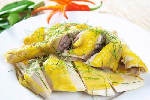 Thịt gà không chỉ là món ăn quen thuộc trong bàn tiệc mà còn có tác dụng trị bách bệnh